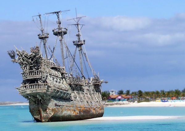 Old_Pirate_Ship